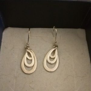 NEVER WORN Sterling Silver Drop Earring